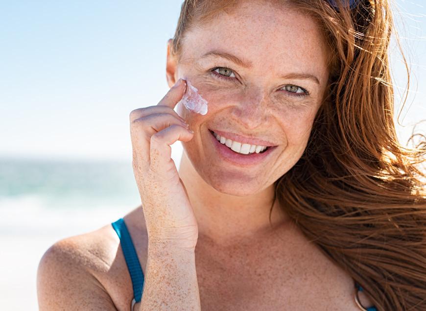 Sommerpflege und Sonnenschutz richtig kombinieren